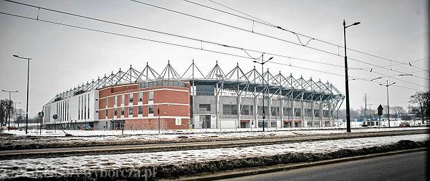 Od rundy wiosennej piłkarze Widzewa Łódź swoje mecze będą rozgrywali na nowym stadionie miejskim. Obiekt mogący pomieścić 18 tys. widzów w tym tygodniu ma zostać oddany do użytku, a w następny weekend (10-12 lutego) będą mogli zwiedzić go kibice.