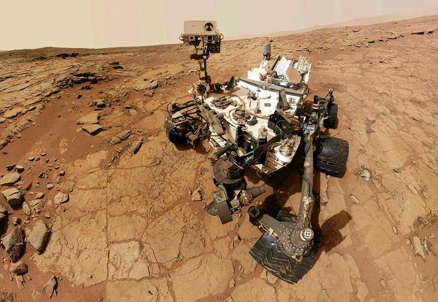 3 lutego 2013. �azik Curiosity wykona� autoportret. Zrobi� sobie zdj�cie na Marsie, gdzie b�dzie pe�ni� misj� przez jeszcze co najmniej p�tora roku