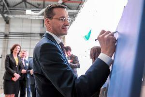 Minister rozwoju i finansow Mateusz Morawiecki podczas otwarcia nowego zakładu produkcyjnego Aero Gearbox International (AGI),  spółki powołanej przez Rolls - Royce i Safran Transmission . W fabryce powstawać będą układy przeniesienia napędu do wszystkich cywilnych silnikow lotniczych Rolls - Royce'a. Ropczyce, 12 kwietnia 2017