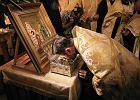 """T�umy chc� uca�owa� ''cudown�'' d�o� �w. Marii Magdaleny. """"Relikwie to przemys�. Namno�y�y si�, wi�c Ko�ci�..."""""""
