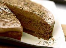 Tort z kawałkami czekolady - ugotuj