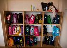 Plecaki szkolne są za ciężkie. Powód? Sanepid: dzieci noszą w tornistrach zabawki i zbędne przedmioty