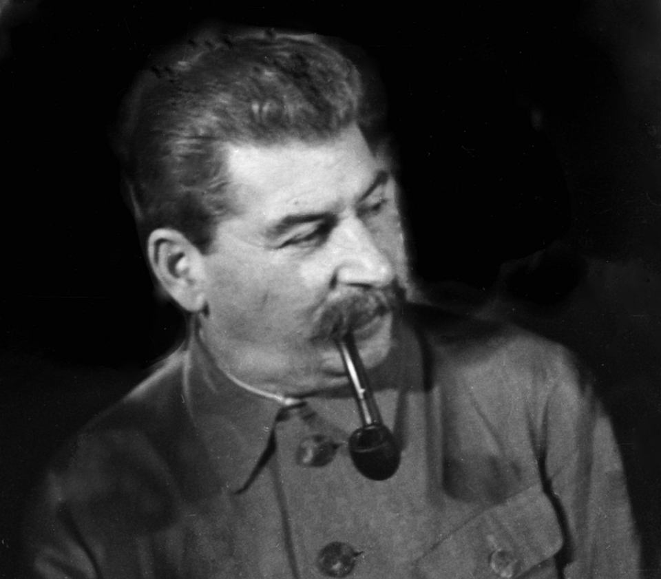 stalin vs lenin essay example Before any state can ascend to the status of superpower a shared philosophy, or general direction, must first be established in this paper i plan to compare and contrast the ideologies behind the political and economic practice of vladimir ilich lenin and joseph vissarionovich stalin the.