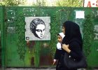 Puszka z farb�, zmora ajatollah�w. Ira�scy streetartowcy odbijaj� mury Teheranu