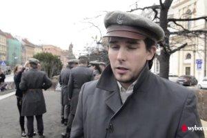 """""""Ferajna z Hoovera"""" zaśpiewała pieśni patriotyczne dla mieszkańców Warszawy"""