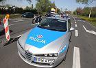Radiowóz dachował na prostej drodze niedaleko Szczytna. Nie żyje 36-letni policjant