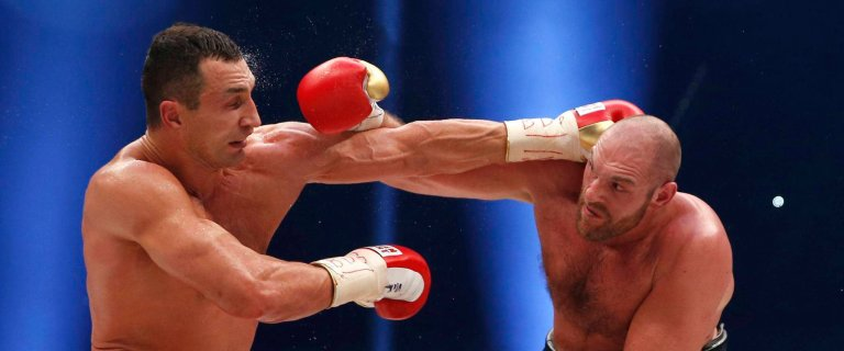 MEGASENSACJA! Tyson Fury pokona� Kliczk� i odebra� mu cztery pasy mistrza �wiata!
