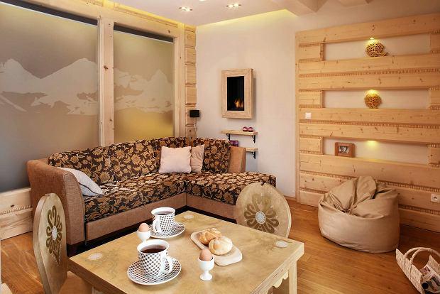 prezentacja mieszkania, drewno w domu, wystrój wnętrz