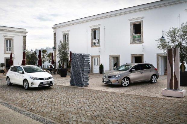 Toyota najcz�ciej wybieran� mark� przez Polak�w w 2014 roku