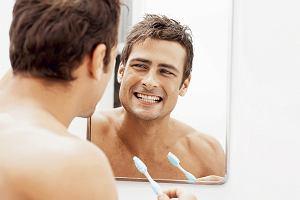 Próchnica, nadwrażliwe zęby, kamień... Kiedy zęby potrzebują fluoru