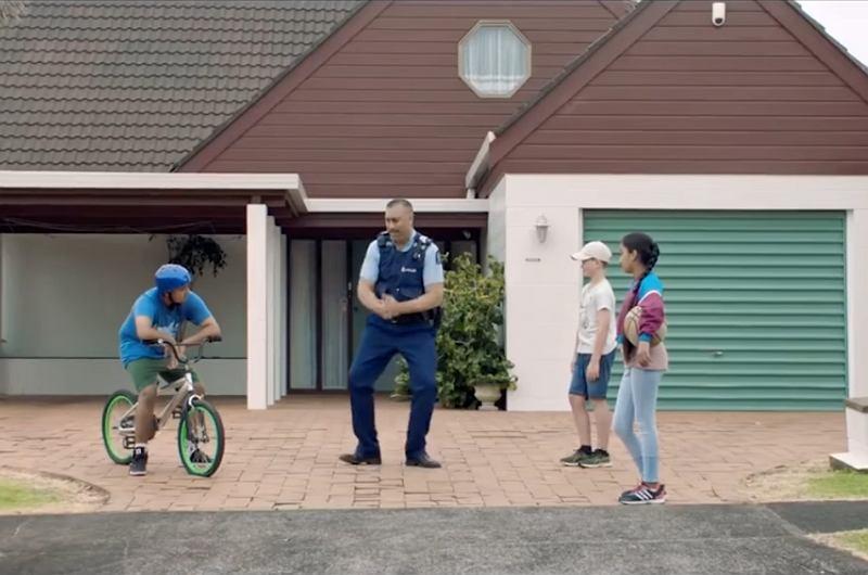 Strzelanina W Nowej Zelandii Film Image: Nagrali Film Zachęcający Do Pracy W Policji. Tego Nie Da