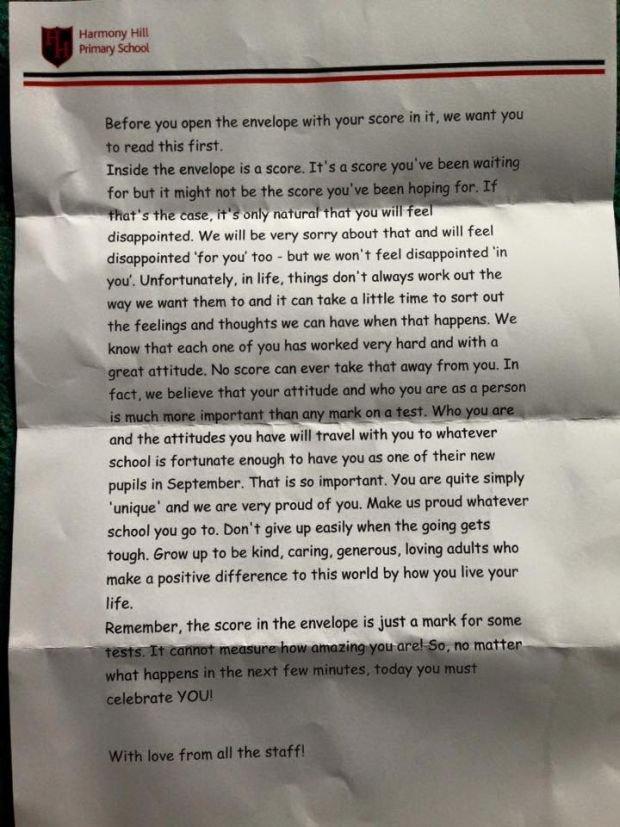 """""""Zanim otworzysz kopertę ze swoim wynikiem chcielibyśmy, abyś najpierw przeczytał to"""" - szkoła w Irlandii Północnej wysłała uczniom motywujące listy"""
