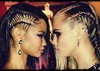 Sp�jrz na to z boku - modna fryzura czy tandetny pomys�?