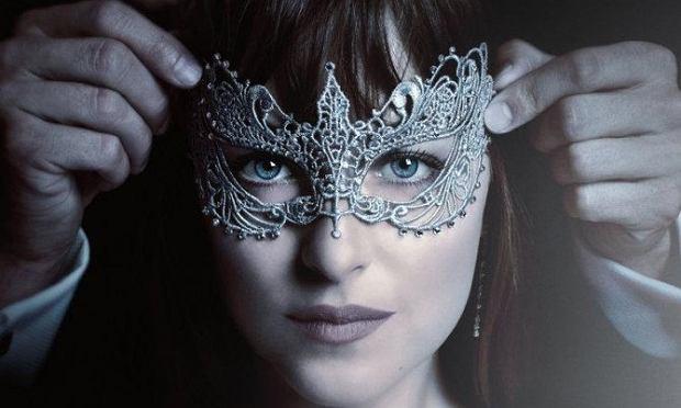Taylor Swift oraz Zayn Malik znajdą się na ścieżce dźwiękowej do jednej z najbardziej kontrowersyjnych ekranizacji nadchodzącego roku. Dwójka artystów połączyła siły, by wspólnie promować melodramat ''Ciemniejsza strona Greya''. Młodych wokalistów na ekranach kin usłyszymy już za dwa miesiące, podczas oficjalnej premiery filmu.
