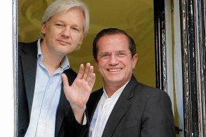 Post�p w �ledztwie ws. Assange'a. Szwedzcy prokuratorzy przyjad� do Londynu