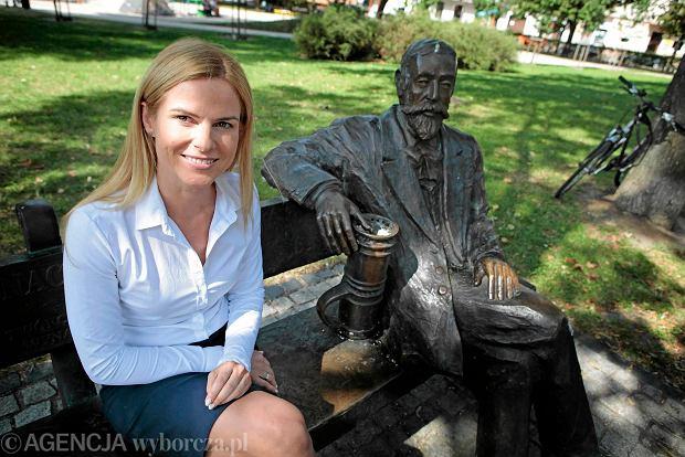 http://bi.gazeta.pl/im/7f/c4/11/z18631551Q,Joanna-Schmidt---liderka-listy-Nowoczesna-pl-w-Poz.jpg