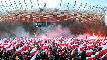 """11 listopada ulicami Warszawy przejdą trzy marsze. Znamy trasy. """"Święto wszystkich Polaków"""" [MAPA]"""