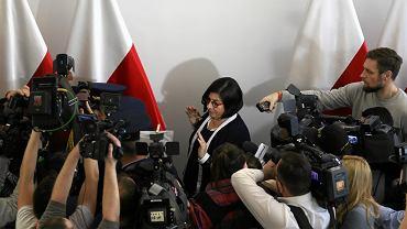 Ambasador Izraela w Polsce Anna Azari poirytowana wychodzi po spotkaniu z marszalkiem Senatu Stanislawem Karczewskim (ws. pisowskiej nowelizacji ustawy o IPN). Warszawa, 31 stycznia 2018
