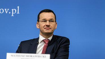 Rz�d w�a�nie po�yczy� �wier� miliarda euro i nie zap�aci od tego �adnych odsetek. Takie czasy