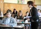Uczniowie liczą i czytają według schematu. A mieli uczyć się kreatywnego myślenia