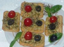 Krakersy zapiekane z serem i zio�ami - ugotuj