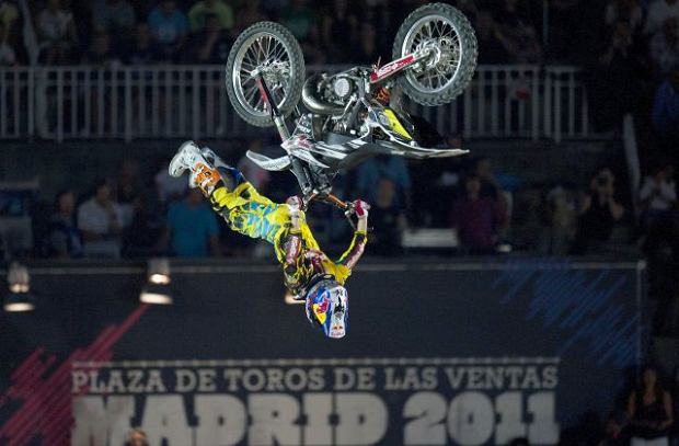 Red Bull X-Fighters tu�, tu�!