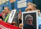 Protest przed Prokuratur� Generaln� na Barskiej w sprawie �mierci Jolanty Brzeskiej