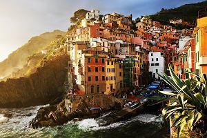 Z widokiem na przepaść. Najpiękniejsze miasta zbudowane na skałach