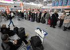 Wielka emigracja Polak�w. Wyje�d�a coraz wi�cej kobiet