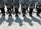 Policyjne biuro podr�y, czyli komendanci wojew�dzcy zmieniaj� komendy. Wymieniono (niemal) wszystkich