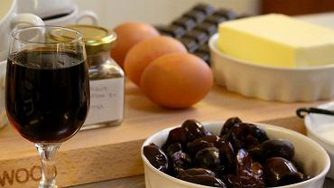Fondant czekoladowy z korzennymi śliwkami - składniki