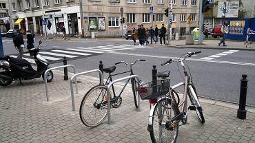 W ubiegłym roku ZDM zamontował stojaki rowerowe przy BUW-ie