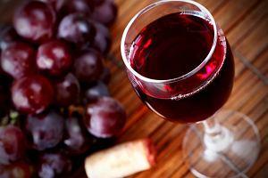Czy na pewno czerwone wino s�u�y zdrowiu? Sfa�szowano liczne badania