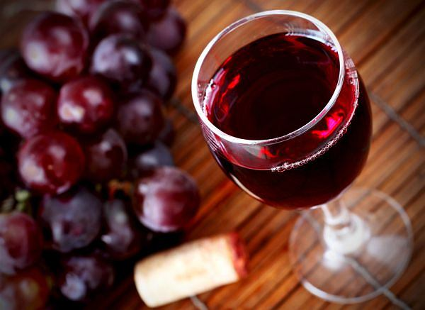 Czy na pewno czerwone wino służy zdrowiu? Sfałszowano liczne badania
