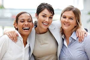 Raport: wykszta�cenie i zaanga�owanie drog� do kariery dla kobiet