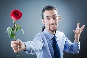 Kto decyduje o tym, czy pójdziesz na randkę z nowo poznaną osobą?