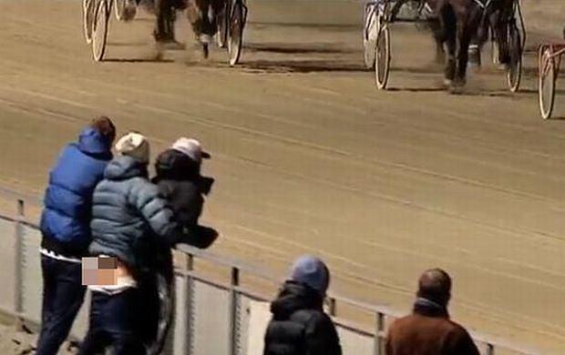 Seks na wyścigach konnych.