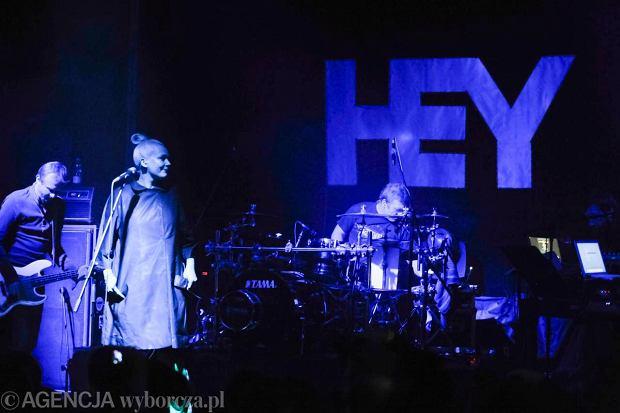 Zespół Katarzyny Nosowskiej opublikował lyric video do utworu.