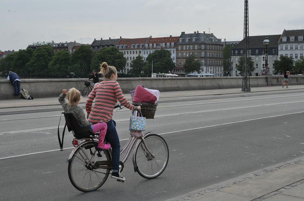 Dziecko to nie problem - rowerem można jeździć zarówno w ciąży jak i po urodzeniu.
