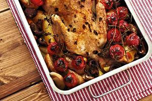 Kurczak pieczony z ziemniakami i pomidorkami