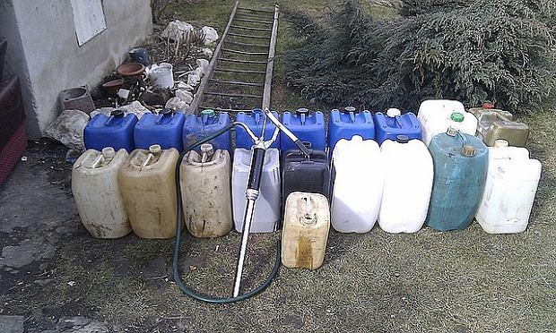 Bracia ukradli z budowy A4 kilka tysi�cy litr�w paliwa