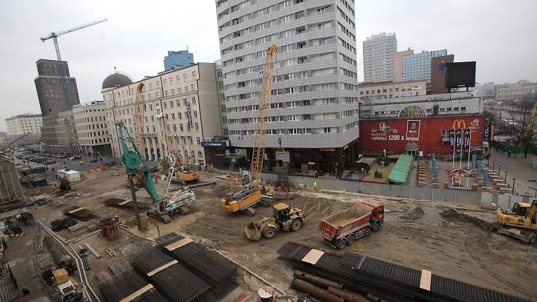 Plac budowy stacji metra Świętokrzyska