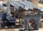 Budowa mostu przy ul. Wschodniej na półmetku [WIDEO]