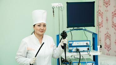 Wskazaniem do wykonania ezofagoskopii  są trudności w przełykaniu, długotrwała chrypka oraz trudnościach w oddychaniu
