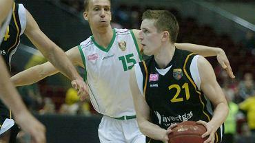 Adam Waczyński (z piłką)