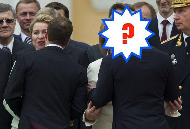 Dmitrij Miedwiediew i Władimir Putin z małżonkami