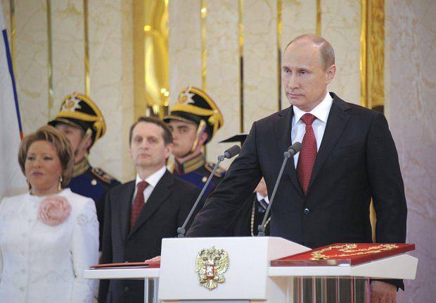 Zdj�cie numer 6 w galerii - Unikalne zdj�cie W�adimira Putina z �on�. Poca�owali si� [ZDJ�CIA]