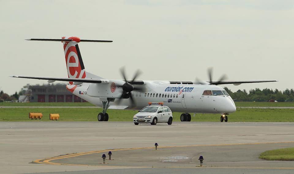 Samolot Bombardier Q400 LOT-u