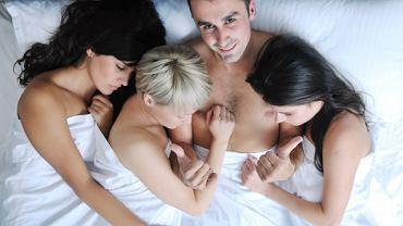 """Swingersi niejednokrotnie zakładają """"monogamię emocjonalną"""""""