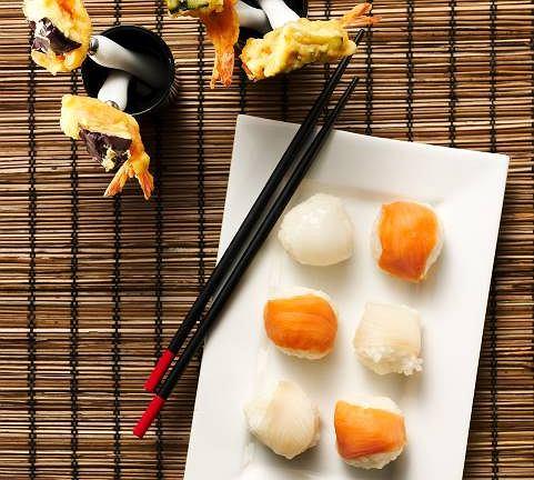 Kulki sushi z rybą maślaną, łososiem i tuńczykiem